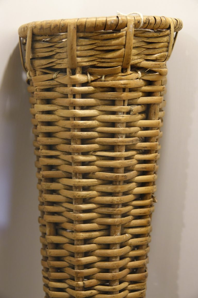 Wicker holder for the post horn coach bugle